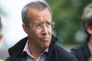 O πρώην πρόεδρος της Εσθονίας, γκουρού της ψηφιακής δημοκρατίας, αναλαμβάνει σύμβουλος του Πιερρακάκη.