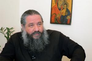 π. Γεώργιος  Σχοινάς: Οι Μάρτυρες πήραν το «Χαίρετε» και το «Μή φοβείσθε» των Μυροφόρων και το έκαναν σύνθημα ζωής