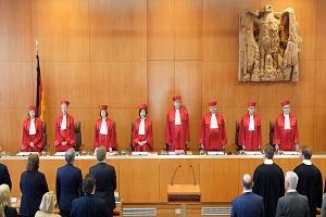 Συνταγματικό Δικαστήριο Γερμανίας: Αντισυνταγματικοί οι περιορισμοί στη θρησκευτική λατρεία λόγω κορωνοϊού