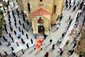 ΜΕΛΕΤΗ: Σε Ορθόδοξες χώρες παρά την συμμετοχή των πιστών στις ακολουθίες της Μεγάλης Εβδομάδας ο κορονοϊός ΔΕΝ μεταδόθηκε!
