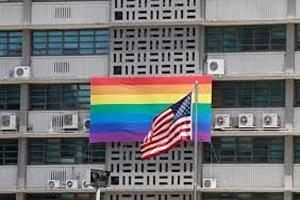 Ο Πούτιν χλευάζει τους Αμερικανούς διπλωμάτες- γκέι