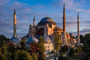 Ὅσιος Παΐσιος: «Πιστεύω δὲν θὰ τὴν ἀφήση τὴν Ἁγια Σοφιά μας στὰ χέρια τῶν βρώμικων Τούρκων»