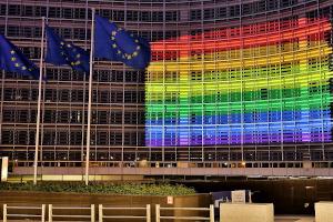 Το άρθρο 7 της Συνθήκης της Ευρωπαϊκής Ένωσης και η προστασία «των αξιών της Ένωσης»: νομικό εργαλείο ή πολιτικό όπλο;