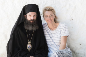 Yelena Popovic: Σκηνοθετώντας τη ζωή του Αγίου Νεκταρίου