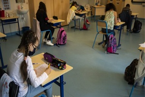 Κορωνοϊός - Έρευνα: Έξι φορές χαμηλότερη η μεταδοτικότητα ανάμεσα στα παιδιά