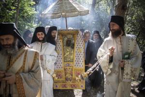 Ἁγίου Νικολάου Βελιμίροβιτς: Ποιά στάση θά κρατοῦσε ἕνας ἅγιος ἄν στήν ἐποχή του ἀπαγόρευαν τίς λιτανεῖες λόγῳ κάποιου ἰοῦ