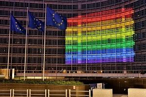 ΕE: Απειλή για την εθνική κυριαρχία των κρατών-μελών της