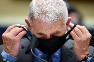 Tι έλεγε η επιστημονική βιβλιογραφία σχετικά με τις μάσκες πριν το ζήτημα καταστεί πολιτικό
