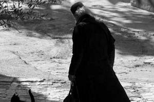 Κορωνοϊός: Αποσωληνώθηκε ο μοναχός του Αγίου Όρους! Νικητής από τη Μάχη