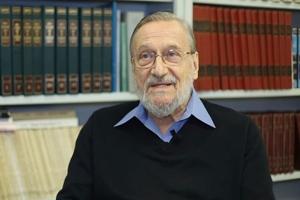Ζακ Μπουσάρ: «Είστε εγκληματίες όταν δεν δίνετε τον θησαυρό της ελληνικής γλώσσας στα παιδιά σας»!