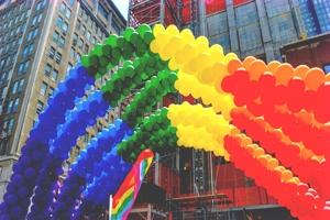 Οι επιχειρήσεις που υποστηρίζουν την LGBT κοινότητα έχουν καλύτερες επιδόσεις στο χρηματιστήριο κατά την Credit Suisse