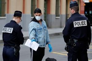 Γαλλίδα Καθηγήτρια Πολιτικής Φιλοσοφίας: «Όσο πολλαπλασιάζονται οι κρίσεις τόσο θα μειώνεται η δημοκρατία εν ονόματι της διαχείρισή τους»