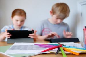 Άνω των 3 εκ. παιδιών στη Γερμανία παρουσιάζουν προβλήματα ψυχικής υγείας λόγω του εγκλεισμού!