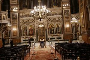 """Αποκάλυψη: Δικαστικά """"πυρά"""" για το οριζόντιο κλείσιμο εκκλησιών και τον περιορισμό στον αριθμό των πιστών"""