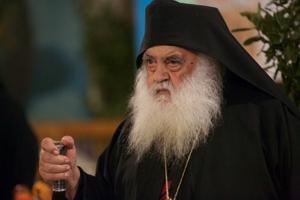 Γέρων Παρθένιος: «Οι αδελφοί μας στον κόσμο είναι κλεισμένοι μέσα στα σπίτια τους και στερούνται την εκκλησία, στερούνται τα πάντα...»