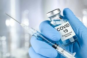Περίπου το 70% των υγειονομικών στη Γαλλία αρνήθηκαν τα εμβόλια για covid19. Η κυβέρνηση τους απειλεί με υποχρεωτικό εμβολιασμό.