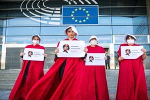 Άμβλωση: Το Ευρωκοινοβούλιο εναντίον της Πολωνίας