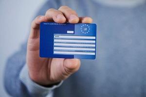 Πέντε συν μία… γκρίζες ζώνες στο νέο «διαβατήριο υγείας» της ΕΕ