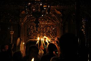 Περί της μετάθεσης ημέρας της τέλεσης της Αναστασίμου Ακολουθίας και Θείας Λειτουργίας