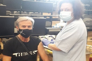 Τάκης Χρυσικάκος: Στο νοσοκομείο ο ηθοποιός – Είχε κάνει το εμβόλιο κατά του κοροναϊού