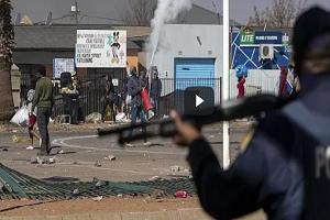 Νότια Αφρική: Θάνατος και λεηλασίες - Η χώρα βυθίζεται στο χάος