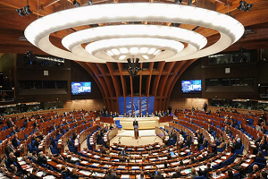 Νέο ψήφισμα του Συμβουλίου της Ευρώπης: Απαγορεύεται και ο έμμεσος εξαναγκασμός του εμβολίου κατά του κορωνοϊού!