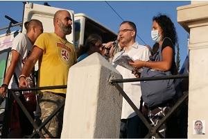 Χαιρετισμός των διωκόμενων ανδρών της ΕΜΑΚ στη συγκέντρωση κατά του υποχρεωτικού εμβολιασμού