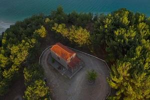 Η Παναγιά στη Λίμνη στη Καισαρειά Κοζάνης