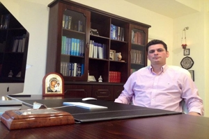 Μυτιλήνη: Ο λόγος του νευροχειρουργού Ευρυβιάδη Μπαϊραμίδη που βγήκε σε αναστολή.