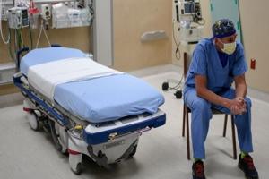 Σκάνδαλο διασποράς του COVID σε παθολογική κλινική με 100% εμβολιασμένο προσωπικό. Το αφήγημα τους καταρρέει!