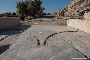 Η «αγέλαστος πέτρα» και ο Παναγιώτης Φαρμάκης της Ελευσίνος